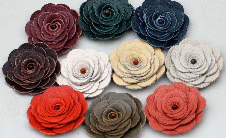 Cómo hacer flores de cuero moldeado